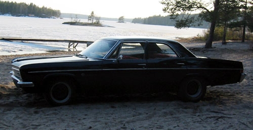 1966 Chevrolet Impala 4d sedan <br>327cid+TH350