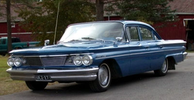 1960 Pontiac Strato Chief 4d Sedan<br>261 cid Strato-Six+3sp. Synchro-Mesh