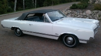 1965 Oldsmobile Cutlass Convertible<br>330cid